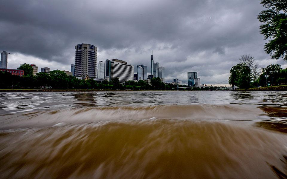 Πλημμύρες στη Γερμανία: «Ελάχιστες πιθανότητες» για επιζώντες