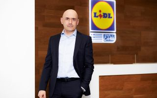 Ο κ. Ιάκωβος Ανδρεανίδης είναι Πρόεδρος Διοίκησης της Lidl Ελλάς.