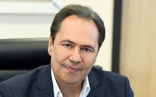 Ο κ. Θεόδωρος Τρύφων είναι Co CEO της ELPEN και πρόεδρος της Πανελλήνιας Ένωσης Φαρμακοβιομηχανίας (ΠΕΦ).