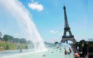 Με αύξηση της παγκόσμιας θερμοκρασίας κατά 1,5 βαθμό, κάθε χρόνο ένας στους πέντε Ευρωπαίους θα βιώνει θερμοκρασίες όπως εκείνες που βίωσαν οι Γάλλοι το φονικό καλοκαίρι του 2003. Φωτ. REUTERS