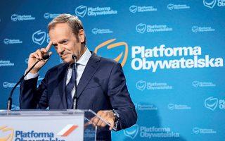 «Ο πολιτικός λόγος της επιστροφής μου είναι η πεποίθηση ότι η Πλατφόρμα Πολιτών είναι απαραίτητη ως πολιτική δύναμη», δήλωσε  ο 64χρονος Ντόναλντ Τουσκ (φωτ. REUTERS ).