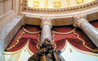 Το άγαλμα του προέδρου των Συνομόσπονδων Πολιτειών της Αμερικής, Τζέφερσον Ντέιβις, ενδέχεται να απομακρυνθεί από το Καπιτώλιο των ΗΠΑ.