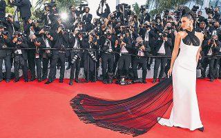 Το σουπερμόντελ Μπέλα Χαντίντ είναι από τις διασημότητες που καταφθάνουν αυτές τις μέρες στο Φεστιβάλ Καννών.