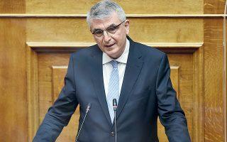 «Το ασφαλιστικό είναι πολύ σοβαρό ζήτημα για να υπονομεύεται με δηλώσεις-πυροτεχνήματα», δήλωσε στην «Κ» ο αρμόδιος υφυπουργός Εργασίας και Κοινωνικών Υποθέσεων Πάνος Τσακλόγλου.