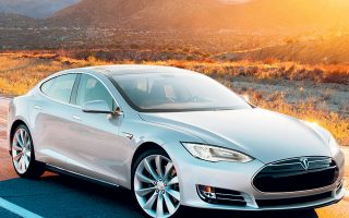 Αύξηση κατά περίπου 70% τον Ιούνιο και κατά περίπου 60% το εξάμηνο Ιανουαρίου - Ιουνίου 2021 κατέγραψαν οι πωλήσεις καινούργιων Ι.Χ. αυτοκινήτων. Αξιοσημείωτο είναι το γεγονός ότι τον Ιούνιο ταξινομήθηκαν 113 Tesla (112 καινούργια και ένα μεταχειρισμένο), ενώ συνολικά το εξάμηνο Ιανουαρίου - Ιουνίου 2021 ταξινομήθηκαν 330 Tesla (εκ των οποίων τα 317 καινούργια). Ολόκληρο το 2020 είχαν πωληθεί στην Ελλάδα 22 Tesla.