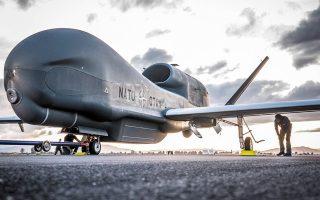 Εσχάτως, η Αγκυρα υπονομεύει σε επίπεδο ΝΑΤΟ την πολύ σημαντική αποστολή των UAV Global Hawk, τα οποία επιχειρούν για λογαριασμό της Συμμαχίας από τη βάση της Σιγκονέλα στην Ιταλία, με σκοπό να παρέχουν εικόνα από μια ευρεία περιοχή, η οποία, βεβαίως, περιλαμβάνει το Αιγαίο. Τα προβλήματα που εγείρει η τουρκική πλευρά στην υλοποίηση της νατοϊκής δράσης έχουν ενοχλήσει αρκετούς συμμάχους, συμπεριλαμβανομένων των Αμερικανών.