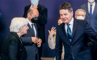 Η κ. Γέλεν δεν κατάφερε να πείσει τον πρόεδρο του Eurogroup και υπουργό Οικονομικών της Ιρλανδίας Πασκάλ Ντόναχιου να στηρίξει τον ελάχιστο φορολογικό συντελεστή 15% για τις επιχειρήσεις. Μετά τη συνάντησή τους, ο κ. Ντόναχιου επανέλαβε τις επιφυλάξεις της χώρας του απέναντι στο μέτρο (ΦΩΤ. EPA).