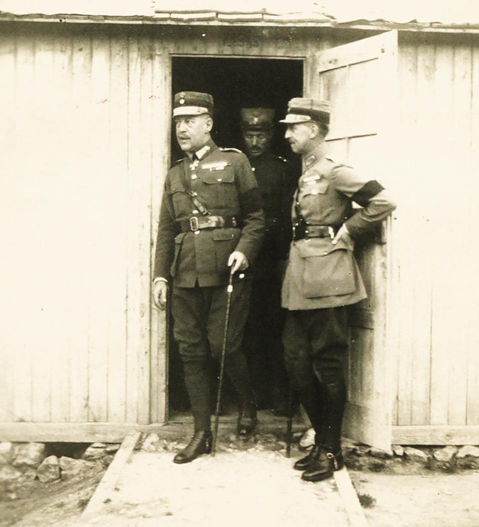 moiraioi-kai-aneythynoi-stin-kioytacheia-to-19212