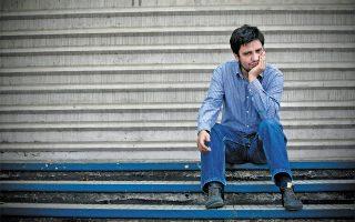 Ο Χιλιανός συγγραφέας Αλεχάντρο Σάμπρα έκανε τα πρώτα του βήματα ως ποιητής. Σήμερα έχει αποκτήσει στάτους διεθνούς λογοτεχνικού σταρ χάρη στα πεζογραφήματά του.