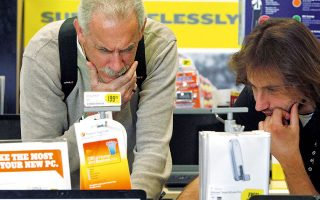 Οι πωλήσεις επιτραπέζιων και φορητών υπολογιστών, συμπεριλαμβανομένων των σταθμών εργασίας, αυξήθηκαν 13% ετησίως και έφτασαν τα 82,3 εκατ. μονάδες.