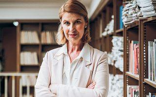 Το 2020 το Λούβρο προσέλαβε την ιστορικό τέχνης Εμανουέλ Πολάκ για να εντοπίσει την προέλευση των έργων (φωτ. Joann Pai/The New York Times).