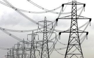 «Εμείς ξεκαθαρίσαμε ότι κάτω του κόστους δεν πουλάμε», αναφέρει εκπρόσωπος ενεργειακής εταιρείας, επισημαίνοντας ότι οι αυξήσεις του ρεύματος είναι προδιαγεγραμμένες από τη στιγμή που η Ε.Ε. πήρε την πολιτική απόφαση μετάβασης στις ΑΠΕ.