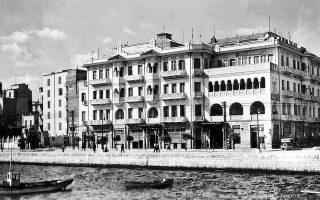 Το ξενοδοχείο Mediterranean Palace στη Θεσσαλονίκη, στο νεοβυζαντινό στυλ της ανοικοδόμησης μετά το 1917. Αρχιτέκτων: Μαρίνος Δελλαδέτσιμας (1922). Κατεδαφίστηκε εσπευσμένα το 1978.  (Φωτ. ΑΡΧΕΙΟ ΣΟΦΟΚΛΗ ΚΩΤΣΟΠΟΥΛΟΥ)