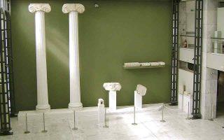 Η αίθουσα του Ιερού της Παρθένου (επάνω) στο Αρχαιολογικό Μουσείο Καβάλας. (Φωτ. ΕΦΟΡΕΙΑ ΑΡΧΑΙΟΤΗΤΩΝ ΚΑΒΑΛΑΣ - ΘΑΣΟΥ)