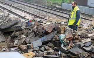 Οι ζημιές αφορούν σιδηροδρόμους, οι οποίοι καλύπτουν δρομολόγια από την Τσεχική Δημοκρατία και τη Σλοβακία έως τα λιμάνια του Ρότερνταμ και του Αμβούργου, η λειτουργία των οποίων έχει διαταραχθεί σημαντικά.