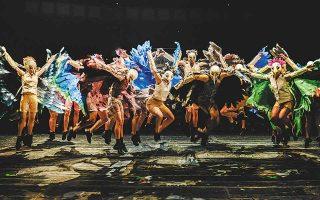 Οι «Ορνιθες», σε σκηνοθεσία Γιάννη Ρήγα, που ανεβαίνουν στις 7/8 στο θέατρο «Φρύνιχος» των Δελφών, είναι μία από τις τρεις μεγάλες καλοκαιρινές παραγωγές του ΚΘΒΕ. (Φωτ. TASOS TOMOGLOU)
