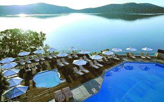 Πρόσφατα, η Hotel Investment Partners, μέλος του επενδυτικού ομίλου Blackstone και ένας από τους μεγαλύτερους ιδιοκτήτες ξενοδοχειακών μονάδων στην ευρύτερη περιοχή της νότιας Ευρώπης, προχώρησε σε συμφωνία για την απόκτηση του ξενοδοχείου Elounda Blu.