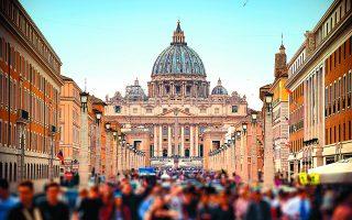 «Η Ευρώπη υπήρξε χριστιανική. Δεν τίθεται ουδεμία αμφιβολία γι' αυτό. Ειδικότερα στη δυτική Ευρώπη, η Καθολική Εκκλησία διαδραμάτισε εξέχοντα ρόλο στην ανάπτυξη ενός συνεκτικού πολιτιστικού πλαισίου», λέει ο Ολιβιέ Ρουά. Φωτ. SHUTTERSTOCK