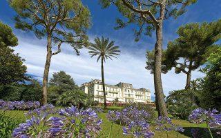 hotel-du-cap-eden-roc-to-theretro-ton-monternon-anthropon0