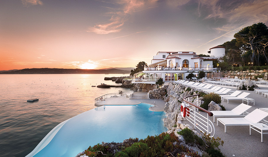 hotel-du-cap-eden-roc-to-theretro-ton-monternon-anthropon9
