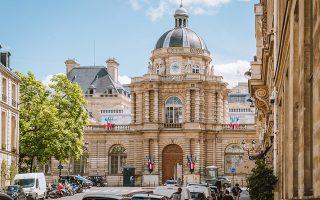 To Παλάτι του Λουξεμβούργου, όπου ο Gaston Monnerville θήτευσε ως ο πρώτος μαύρος πρόεδρος της Γαλλικής Γερουσίας, συμπεριλαμβάνεται ως στάση στα τουρ που διοργανώνει το γραφείο Le Paris Noir.  Φωτογραφίες: Joann Pai/The New York Times