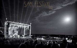 sani-festival-2021-sti-moysiki-i-paysi-orizei-to-chrono-tis-epomenis-notas-alla-kai-ti-dynamiki-tis0