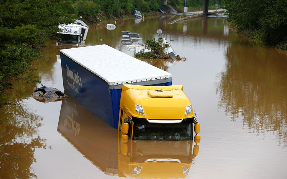 Πλημμύρες: Μήνυμα αλληλεγγύης από Μακρόν σε Γερμανία και γειτονικές χώρες