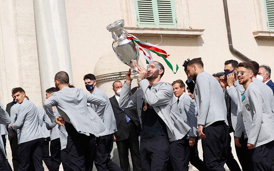 italia-i-squadra-azzurra-sto-kyvernitiko-megaro-palatso-kitzi5