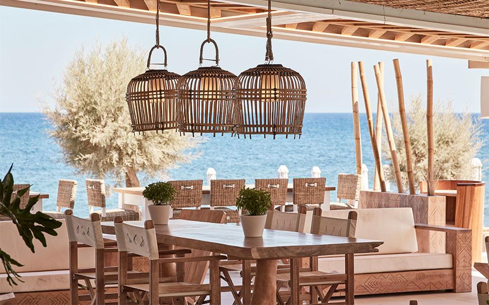 i-zoi-einai-giorti-sto-nikki-beach-resort-amp-038-spa-santorini0