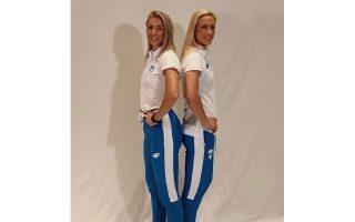 Οι μαμάδες Νικόλ Κυριακοπούλου και Βούλα Παπαχρήστου φωτογραφήθηκαν στο πλαίσιο της παρουσίασης (φωτ. www.segas.gr).