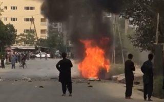 Στις φλόγες τυλίχθηκε το όχημα από το οποίο εκτοξεύθηκαν οι ρουκέτες του ISIS-Κ. REUTERS