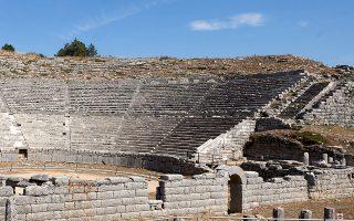 Η μετάθεση της παράστασης των «Ιππέων» στο Αρχαίο Θέατρο της Δωδώνης στην Ηπειρο αποκτά και πολιτική βαρύτητα (φωτ. INTIME NEWS).