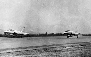 Δεκαετία '70. Ελληνικά F-5 απογειώνονται με κατεύθυνση το Αιγαίο. Στις 22/7/1974 η αποστολή δύο Ελλήνων πιλότων προς την περιοχή της Λήμνου εξελίχθηκε σε κανονική αερομαχία, με αποτέλεσμα την κατάρριψη ενός τουρκικού F-102. (Φωτ. ΑΡΧΕΙΟ ΠΟΛΕΜΙΚΗΣ ΑΕΡΟΠΟΡΙΑΣ)