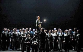 Σκηνή από την κυριολεκτικά και μεταφορικά «μαγική» παράσταση που παρουσιάστηκε σε Παρίσι και Ρουέν. (Φωτ. Julien Benhamou)