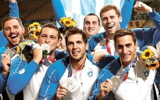 Το ασημένιο μετάλλιο που κατέκτησε η εθνική πόλο ανδρών καταδεικνύει ότι η ελληνική υδατοσφαίριση βρίσκεται σε συνεχή ανοδική τροχιά (φωτ. INTIMENEWS).