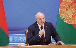Ο πρόεδρος της Λευκορωσίας Αλεξάντερ Λουκασένκο επέμεινε, μεταξύ άλλων, πως οι πράξεις του δεν ήταν μόνο επιβεβλημένες, αλλά βοήθησαν στη διατήρηση της παγκόσμιας ειρήνης... (Φωτ. Nikolay Petrov / BelTA / REUTERS)