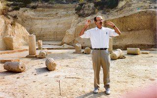 Ο καθηγητής Στέφανος Μίλερ, ένας από τους διαπρεπέστερους ξένους αρχαιολόγους, ο οποίος αφιέρωσε 40 χρόνια της καριέρας του στην Ελλάδα, έφυγε χθες από τη ζωή σε ηλικία 79 ετών (φωτ. Από το δίτομο έργο  «Η Νεμέα και Εγώ» των εκδόσεων Καπόν).