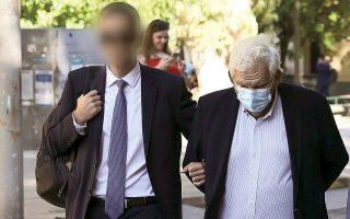 Οι δικαστές αποφάσισαν την παράταση της προσωρινής κράτησης των Δημήτρη και Τζώρτζη Κουτσολιούτσου για ακόμη ένα εξάμηνο.