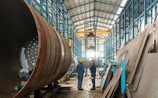 Αύξηση του κύκλου εργασιών καταγράφεται σε όλους ανεξαιρέτως τους κλάδους της βιομηχανίας, με μεγαλύτερη τη συμβολή των κλάδων παραγωγής βασικών μετάλλων, κατασκευής μεταλλικών προϊόντων, παραγωγής οπτάνθρακα και προϊόντων διύλισης πετρελαίου και της βιομηχανίας τροφίμων. (Φωτ. SHUTTERSTOCK)