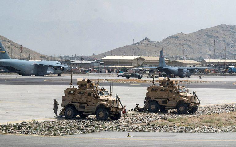 afganistan-epanekkinisi-ton-amerikanikon-ptiseon-apo-tin-kampoyl-561471268