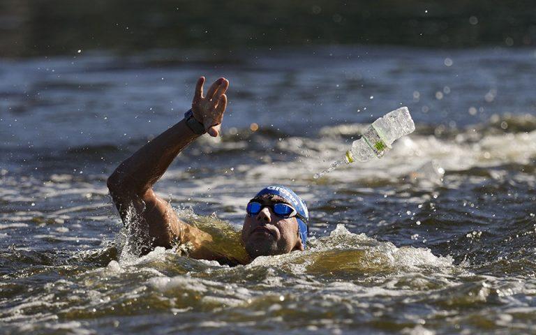 olympiakoi-agones-entyposiakos-o-alkis-kynigakis-pemptos-sti-marathonia-kolymvisi-561457645