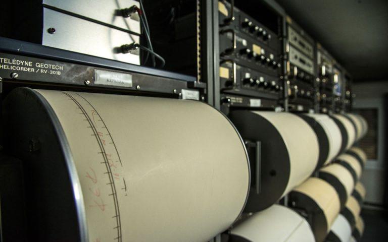neos-seismos-sti-nisyro-ston-choro-ton-richter-i-periochi-561456619