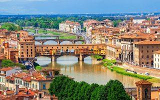 Φλωρεντία, Βενετία, Αμστερνταμ, Βαρκελώνη, και Πράγα αναζητούν έναν άλλο δρόμο, που θα φέρνει τουριστικά έσοδα χωρίς να γίνονται αφιλόξενες οι πόλεις στους κατοίκους τους. Φωτ. Shutterstock.