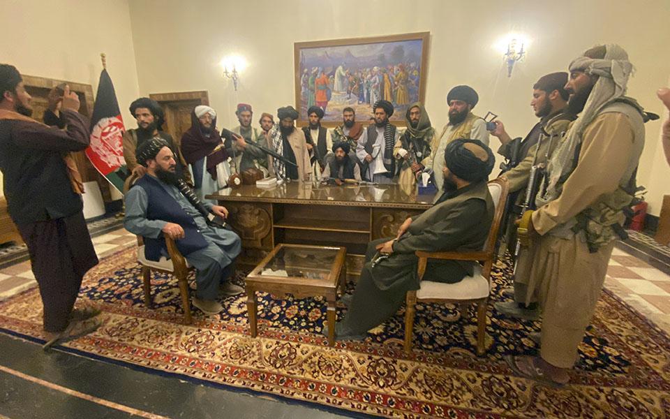 ston-elegcho-ton-talimpan-to-afganistan-dyo-dekaeties-meta-tin-anatropi-toys-apomakrynthikan-oi-perissoteroi-dytikoi-diplomates2