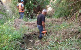Ο καθαρισμός των ρεμάτων επείγει, καθώς οι πρόσφατες πυρκαγιές αυξάνουν τον κίνδυνο πλημμυρών σε περίπτωση σφοδρής βροχόπτωσης.