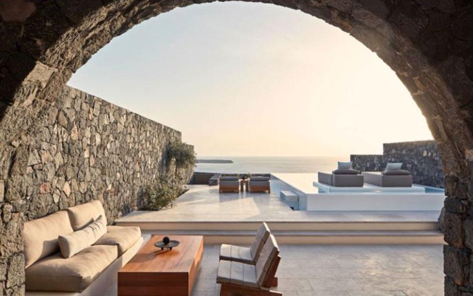 Τα 15 κορυφαία θέρετρα στην Ευρώπη: Τέσσερα ελληνικά ξενοδοχεία στη λίστα του «T+L»