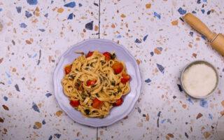 gastronomos-ftiaxte-monoi-sas-italika-zymarika-taliateles-video0