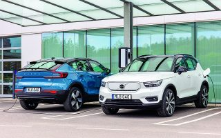 Βραχυπρόθεσμα, τα σχέδια της Volvo περιλαμβάνουν τη συνεργασία με την κορυφαία σουηδική εταιρεία Northvolt για την περαιτέρω αύξηση της ενεργειακής πυκνότητας στις μπαταρίες της έως και 50%.