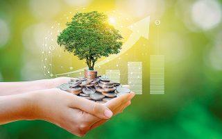 H βιοοικονομία ορίζεται ως η παραγωγή και χρήση ανανεώσιμων βιολογικών πόρων από τα χερσαία και υδάτινα οικοσυστήματα για την παραγωγή και παροχή προϊόντων, διαδικασιών και υπηρεσιών σε όλους τους τομείς του εμπορίου και της βιομηχανίας στο πλαίσιο ενός βιώσιμου, κυκλικού οικονομικού συστήματος (φωτ. SHUTTERSTOCK).