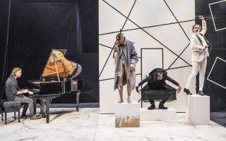 Η παράσταση «Eins Zwei Drei» του Μάρτιν Τσίμερμαν στο Φεστιβάλ Αθηνών.